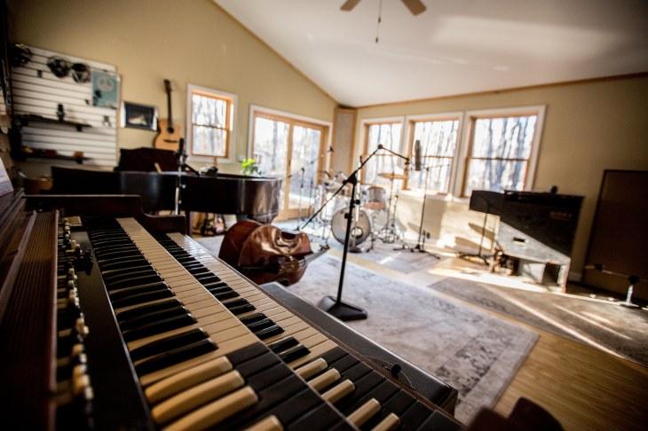 Hammond view of live room